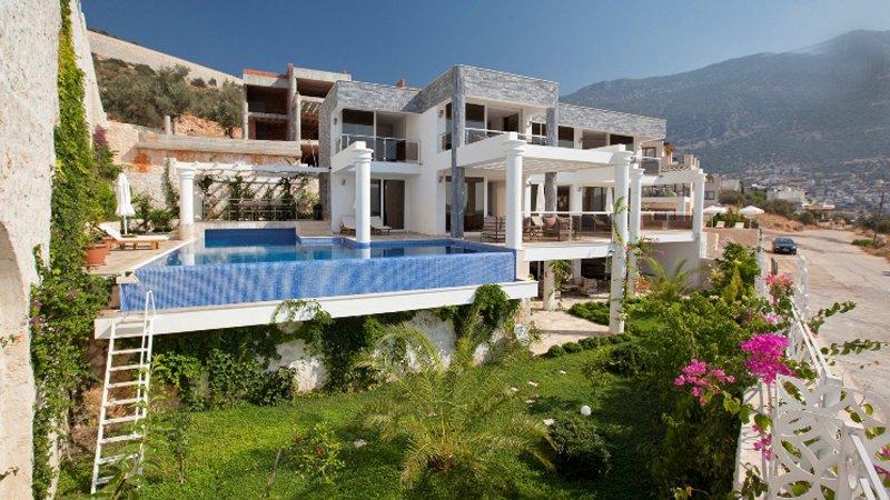 Luxury 5 Bedroom Villa to Rent in Kalkan